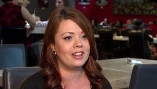 Έγκυος σερβιτόρα έλαβε φιλοδώρημα... 900 δολαρίων (vid)