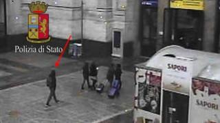Φωτογραφία-ντοκουμέντο του τρομοκράτη Αμρί στο Μιλάνο (pics)
