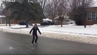 Πατινάζ στους παγωμένους δρόμους του Καναδά (vids)
