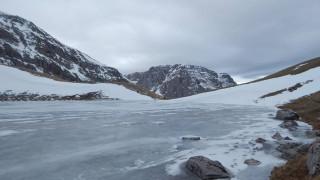 Εντυπωσιακές εικόνες από την παγωμένη Δρακόλιμνη (pics)