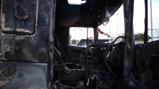 Καταστράφηκε ολοσχερώς η νταλίκα στην Αττική οδό (pics)