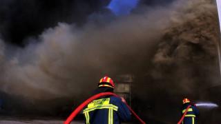 Πυρκαγιά σε εργοστάσιο στην παλαιά εθνική οδό Αθηνών - Θηβών