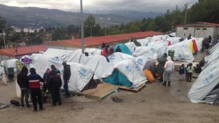 Χωρίς θέρμανση και νερό οι πρόσφυγες στα νησιά
