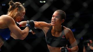 MMA: η Νούνιες έβγαλε νοκ άουτ την Ράουζι