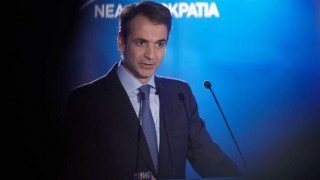 Ο Μητσοτάκης δεσμεύεται για δραστική μείωση των φόρων