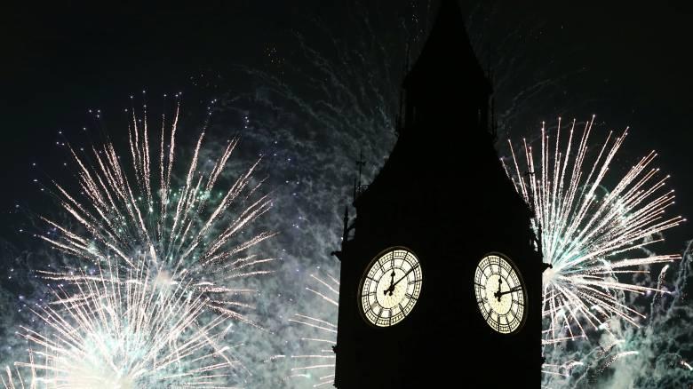 Πρωτοχρονιά στις πόλεις του κόσμου (pics&vid)