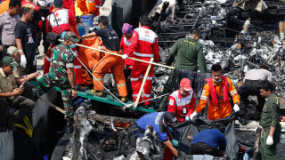 Κάηκαν ζωντανοί 23 άνθρωποι σε ferry boat στην Ινδονησία (pics)