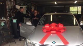 Μετά από 10 χρόνια αποταμίευσης αγόρασαν αυτοκίνητο στη μητέρα τους