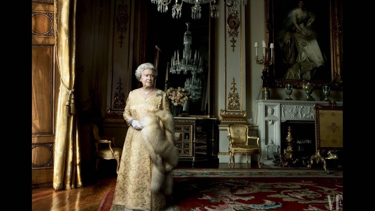 https://cdn.cnngreece.gr/media/news/2017/01/03/61269/photos/snapshot/queen-elizabeth-birthday-90-annie-leibovitz-summer-2016-vf-04.jpg