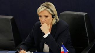 «Έξαλλη» η Ουκρανία με την Μαρίν Λεπέν για την Κριμαία