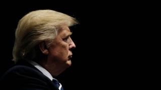 Ο Τραμπ αμφισβητεί τις μυστικές υπηρεσίες και στηρίζει το WikiLeaks