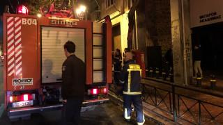 Εκρηκτικός μηχανισμός βρέθηκε στην πολυκατοικία όπου ξέσπασε η φωτιά (pics)