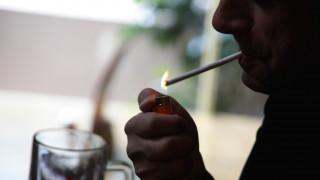 Ποια χώρα σκοπεύει να απαγορεύσει το κάπνισμα στους νέους