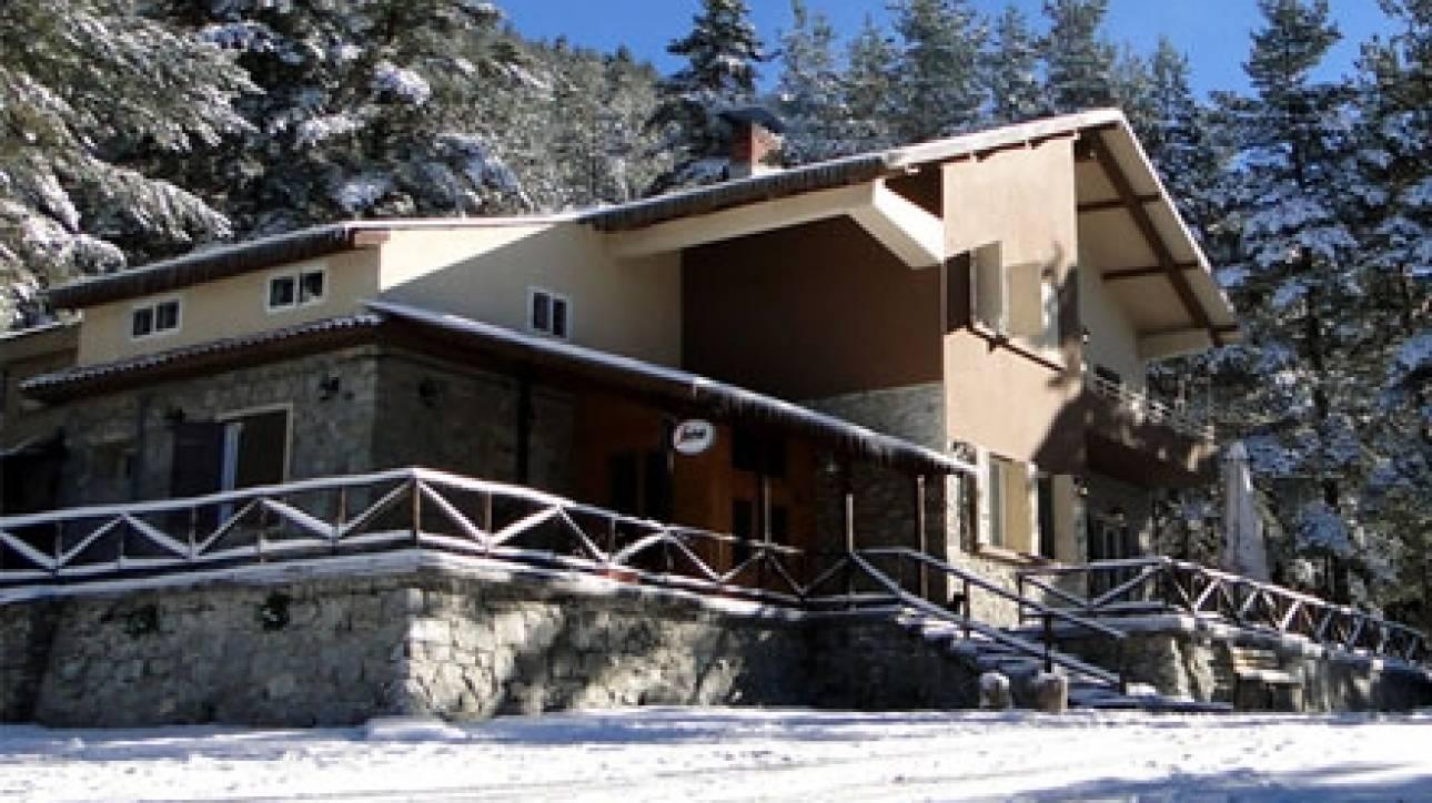 Φωτιά στο χιονοδρομικό του Λαϊλιά - Σοβαρές υλικές ζημιές στο σαλέ
