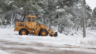 Καιρός: «Αγριεύουν» τα φαινόμενα με χιόνια τις επόμενες ώρες