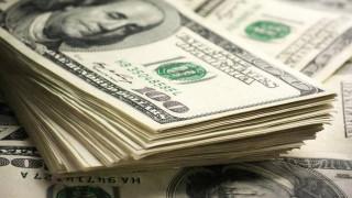 Το δολάριο κυριαρχεί στην παγκόσμια οικονομία