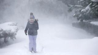 Κωνσταντινούπολη: 40 πόντοι χιόνι έχουν «παραλύσει» την πόλη