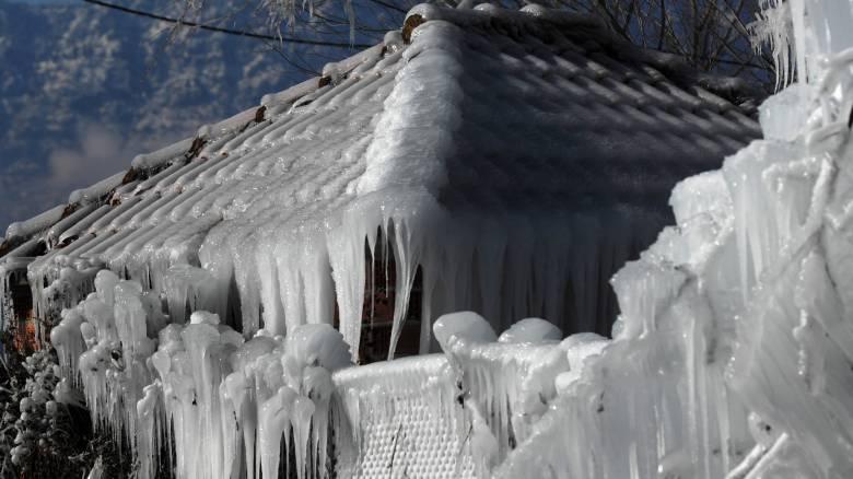 Κακοκαιρία: Στον... πάγο η χώρα