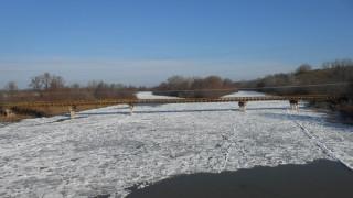 Πάγωσε ο Αξιός ποταμός από την χαμηλή θερμοκρασία (vid)
