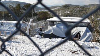 Δεύτερη μέρα ταλαιπωρίας για τους πρόσφυγες στη Μόρια