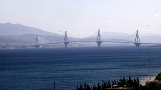 Εντοπίστηκε η σορός της γυναίκας που πήδηξε από τη γέφυρα του Ρίου Αντιρρίου (pics&vid)