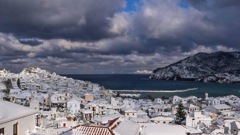 Στην... κατάψυξη η χώρα: Χιόνια, παγετός και πολικές θερμοκρασίες (pics)