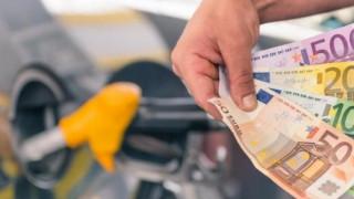 Κατρακυλά η καταναλωτική εμπιστοσύνη στην Ελλάδα