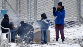 Βελγικός Τύπος: Η Ελλάδα αφέθηκε στη μοίρα της με το προσφυγικό εν μέσω κακοκαιρίας