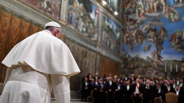 Έπαινοι του Πάπα στην Ελλάδα για τo μεταναστευτικό