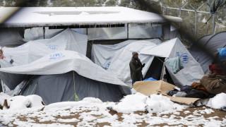 Μόρια: Παγωμένη πολιτεία - Μόνη ελπίδα οι εθελοντές