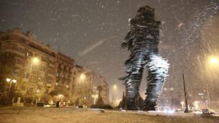 Χιόνια στην Αθήνα: Με προβλήματα η κυκλοφορία των οχημάτων (pics&vid)