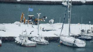 Κακοκαιρία: Πυκνές χιονοπτώσεις και παγετός σε όλη τη χώρα