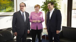 Κυπριακό: Τηλεφωνικές επικοινωνίες Τσίπρα με Μέρκελ-Ολάντ