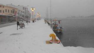 Μυτιλήνη: Βυθίστηκαν από το χιόνι οι «διάσημες» βάρκες