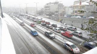 Κακοκαιρία: Χάος στη Θεσσαλονίκη με εγκλωβισμένους οδηγούς (vid+pics)