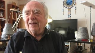 Ο 88χρονος που έχει βρει το νόημα της ζωής στο… πλέξιμο! (pics)