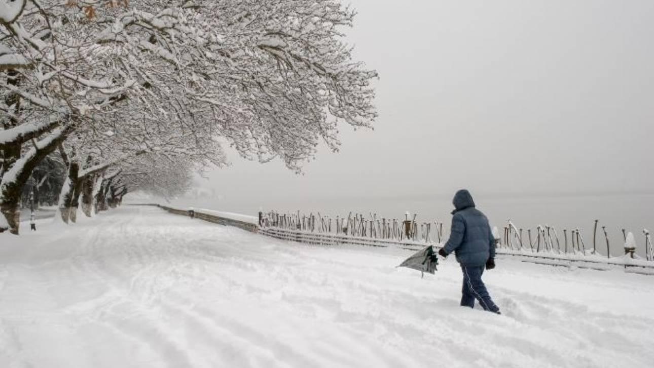 Μάγεψε... ο άνδρας που έκανε σκι στο κέντρο των Ιωαννίνων (pics)