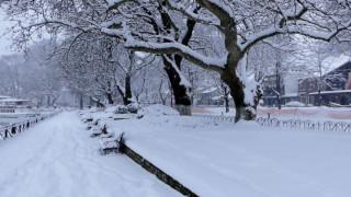 Η μισή χώρα βυθισμένη στο χιόνι - Που εντοπίζονται τα προβλήματα