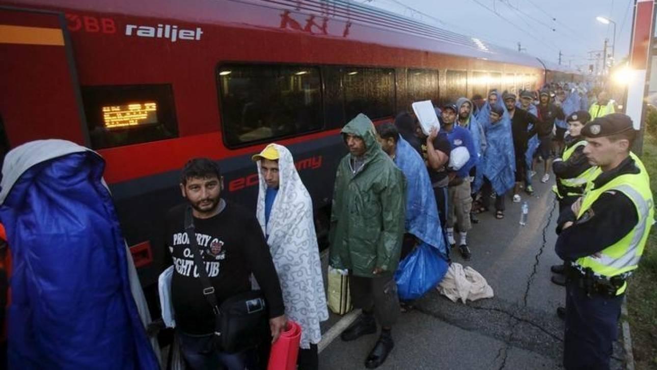 Η Αυστρία ζητά να μειωθούν στο μισό οι αιτήσεις ασύλου