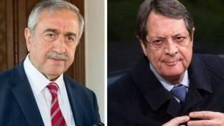 Κυπριακό: Κατέθεσαν χάρτες οι δύο πλευρές - Αντιρρήσεις από τον Αναστασιάδη