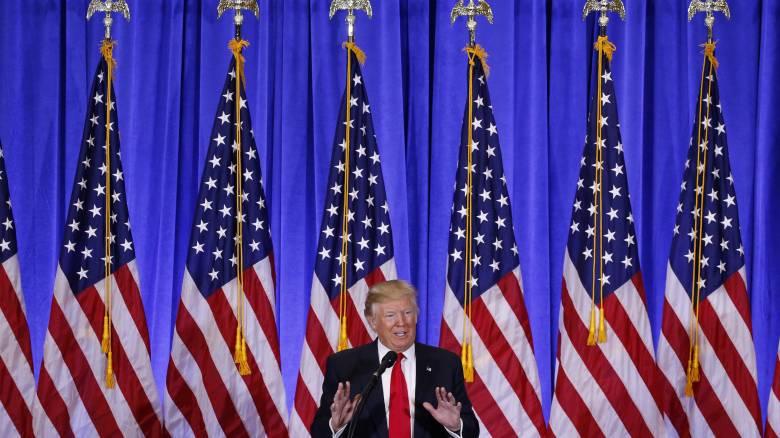 Συνομιλία Τραμπ με τον διευθυντή της Εθνικής Υπηρεσίας Πληροφοριών