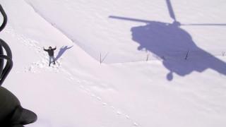 Σκόπελος: Καρέ καρέ η διάσωση εγκλωβισμένων στα χιόνια από ελικόπτερο (vid)