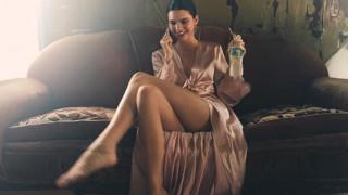 Η Kendall Jenner απαντά στις φήμες των πλαστικών επεμβάσεων