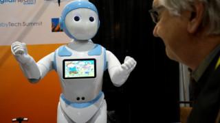 Οδηγίες και κανόνες από την ΕΕ για τις σχέσεις των ανθρώπων με τα ρομπότ