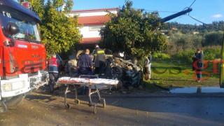 Αυτοκίνητο «καρφώθηκε» σε μάντρα σπιτιού (pics&vid)