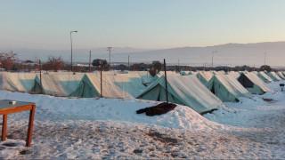 Θεσσαλονίκη: Μεταφέρθηκαν σε ξενοδοχεία οι πρόσφυγες από το Βαγιοχώρι