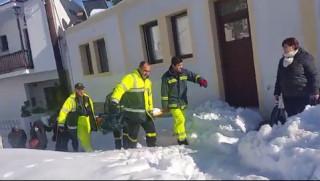 Το εντυπωσιακό βίντεο με την επιχείρηση Πυροσβεστών στην Σκόπελο (vid)