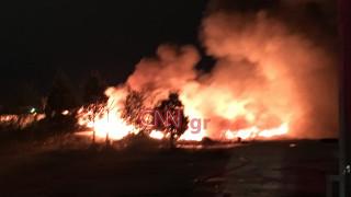 Καταστροφές από την πυρκαγιά σε αποθήκη ελαστικών στον Ταύρο (pics&vid)