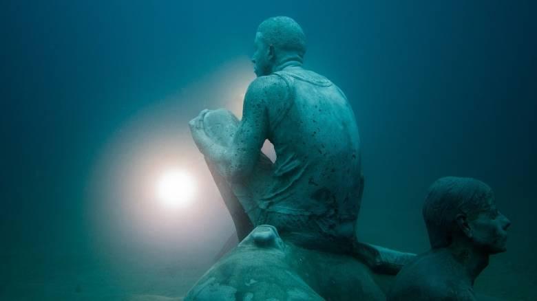 H Λαμπεντούζα συγκλονίζει στο 1ο υποβρύχιο μουσείο της Ευρώπης