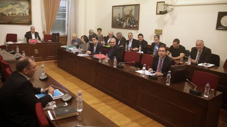 Εμπλοκή με την...εμπλοκή Στουρνάρα στο πόρισμα για τα δάνεια κομμάτων και ΜΜΕ